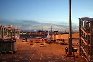 Description: Munich Airport plane handling at ...