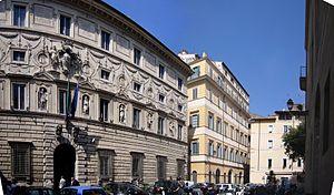 Roma, piazza Capodiferro e Palazzo Spada