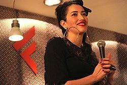 Nina Zilli presenta il suo primo disco Sempre lontano