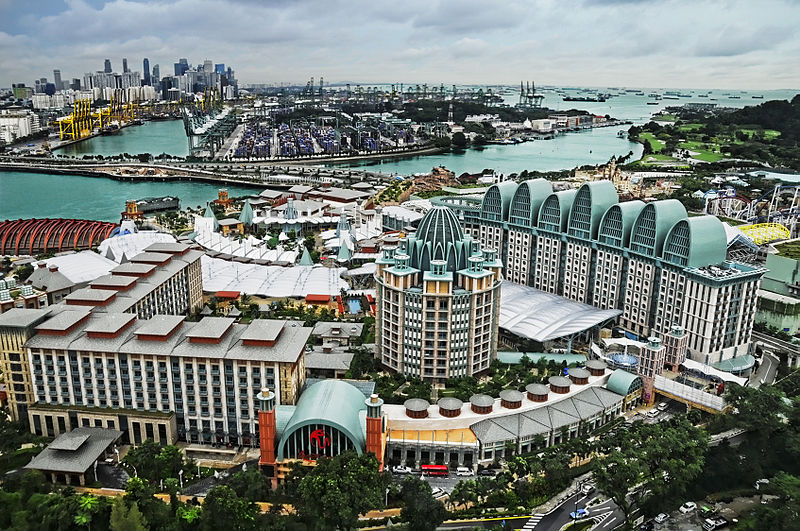 File:Resorts World Sentosa viewed from the Tiger Sky Tower, Sentosa, Singapore - 20110131.jpg