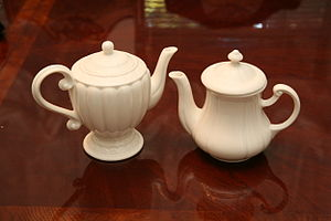 English: Picture of teapots.