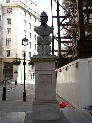 Bust of Nehru at Aldwych, London
