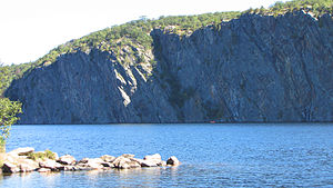 English: Mazinaw Rock, Upper Mazinaw Lake, Bon...