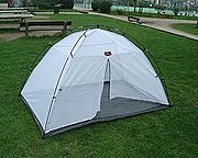 Dormir coberto por rede anti-mosquito protege significativamente contra a Malária