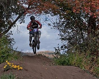 English: Mountain bike race at Wolf Mountain. ...