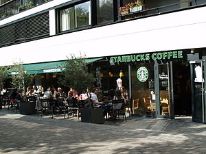 Français : Un Starbucks à Paris (France)