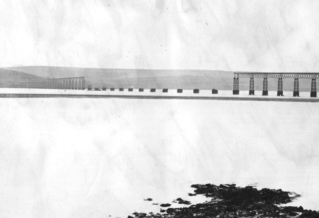 River Tay Bridge (Scotland) middle section collapsed in 1880