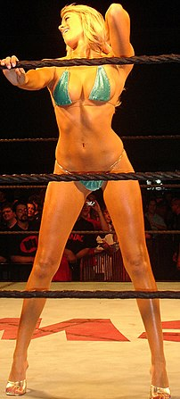 Kelly Kelly, wins over the crowd as ECW visits...