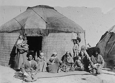 Afghan family.jpg
