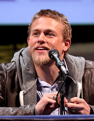 English: Charlie Hunnam at the 2011 Comic Con ...