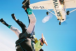 Skydiving V5-NSK