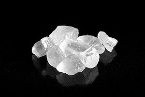 English: A close up of salt crystals.