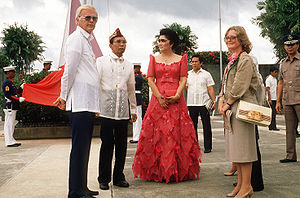 Stephen W. Bosworth, left, US Ambassador to the Philippines, talks with President Ferdinand Marcos