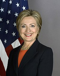 https://i2.wp.com/upload.wikimedia.org/wikipedia/commons/thumb/a/a3/Secretary_Clinton_8x10_2400_1.jpg/200px-Secretary_Clinton_8x10_2400_1.jpg