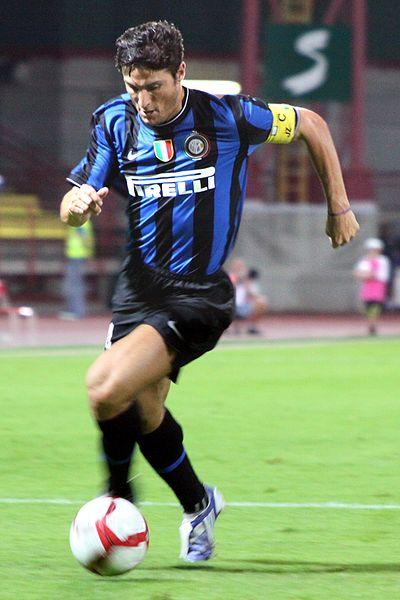 Archivo:Javier Zanetti - Inter Mailand (3).jpg