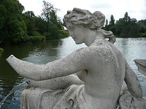 English: Statue in Hyde Park Français : Statue...
