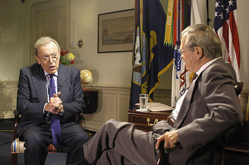 https://i2.wp.com/upload.wikimedia.org/wikipedia/commons/thumb/a/a5/David_Frost_Rumsfeld_interview.jpg/500px-David_Frost_Rumsfeld_interview.jpg