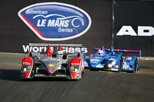 The #2 Audi R10 leading the Zytek at the 2007 ...