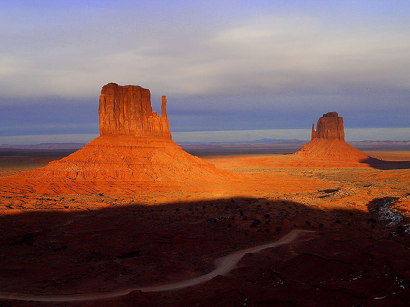 File:MonumentValley 640px.jpg