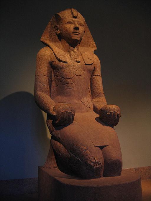 Hatshepsut offering nw jars