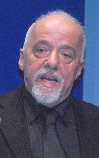 Paulo Coelho 30102007.jpg