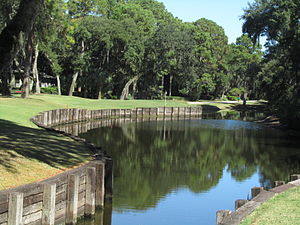 English: Water hazard (Lake)