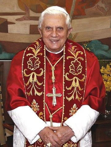 Papst Benedikt XVI während eines Besuchs in São Paulo, Brasilien (Quelle: Agência Brasil).