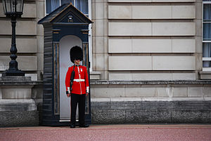 English: A sentry of the Welsh Guards at Bucki...