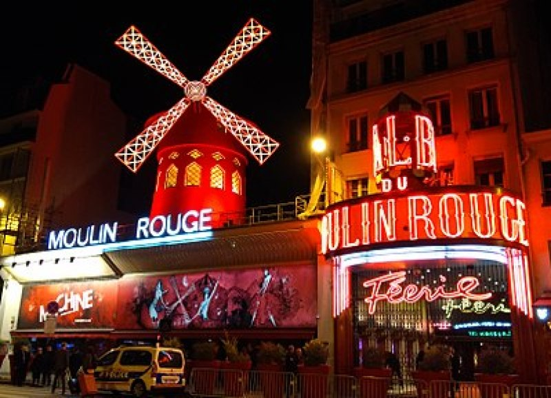 Le Moulin Rouge Paris 18ème