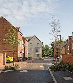 English: Woodleigh, Boyatt Wood A newly-built ...
