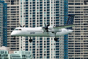 English: Porter Airlines Bombardier Q400 landi...