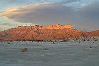 日没時のグアダルーペ山脈の西の面2006.jpg