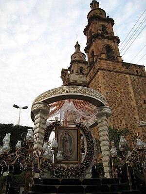 Español: Carros alegóricos en la fiesta patron...