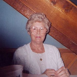 ElderlyWomanInGlasses2