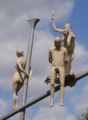Peter Lenk, Hölderlin im Kreisverkehr, Detail