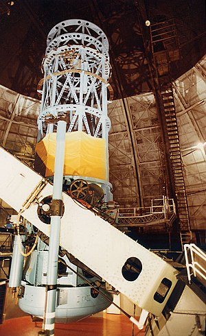 The 100 inch (2.5 m) Hooker telescope at Mount...