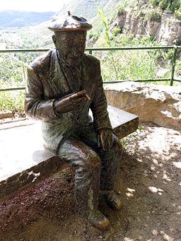 259 Josep Pla a la plaça del Repòs, Sant Miquel del Fai