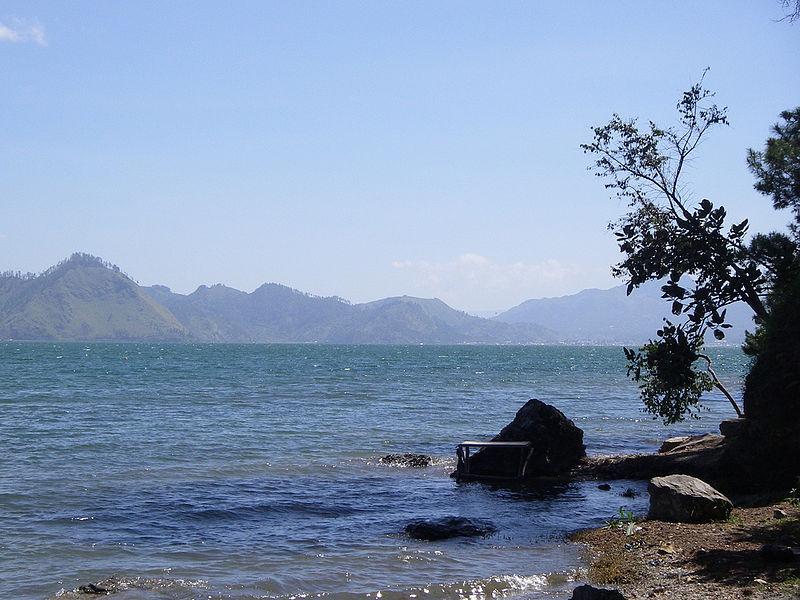 Berkas:Danau Laut Tawar, Takengon, Aceh Tengah.jpg