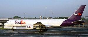 A FedEx Express 757-200