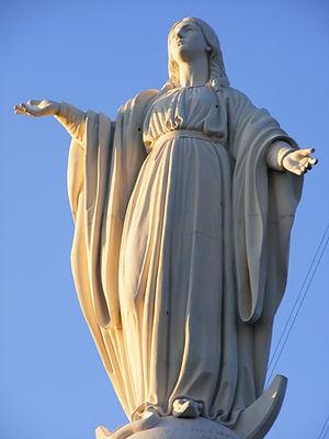 Estatua de la Virgen María en el Cerro San Cri...