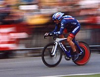 Lance Armstrong riding the prologue of the 200...