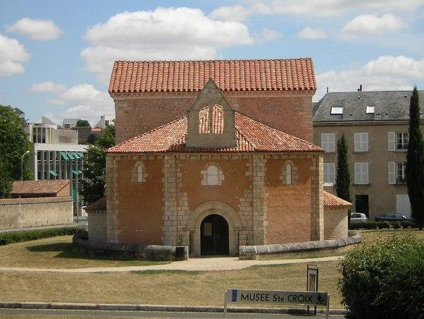 """Résultat de recherche d'images pour """"Baptistère Saint-Jean Poitiers"""""""