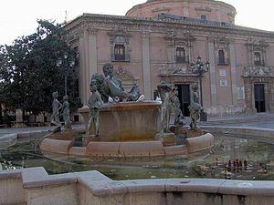 Monumento a las acequias del Turia en la ciudad de Valencia