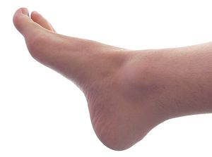 English: Grown male right foot (angle 1)