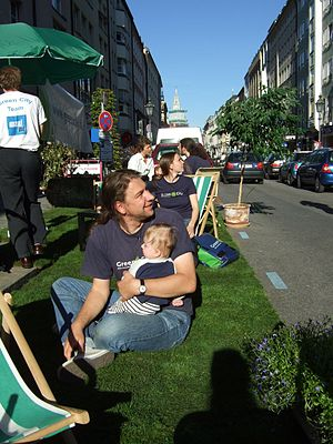 Side View on Park(ing) Day aktivity by Green C...