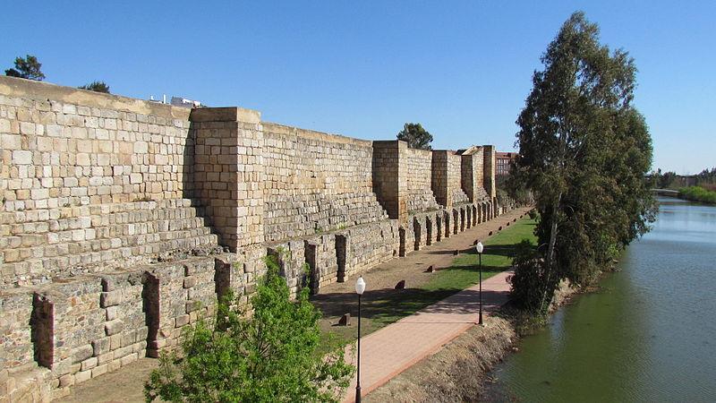 Mur de la citadelle de la rivière Guadiana.