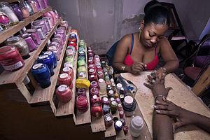 English: Beauty and nail polish salon. Havana ...