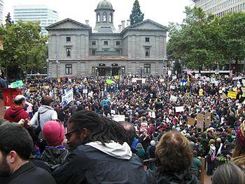 English: Occupy Portland participants in Pione...