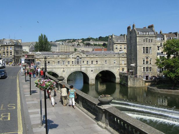 Pulteney bridge in bath england arp