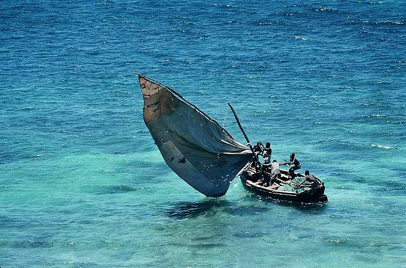 File:Mozambique - traditional sailboat.jpg